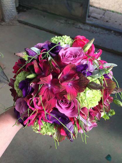 Beispiel: Brautstrauß in bunten Farben, Foto: Vitalgarten.