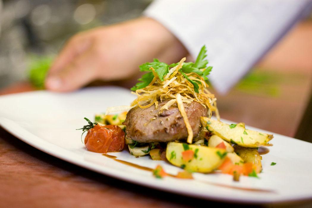 Beispiel: Kulinarische Köstlichkeiten, Foto: Hotel Basel.