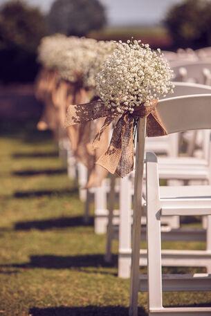 Detalle floral en sillas
