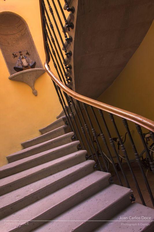Escaleras de un solo canto