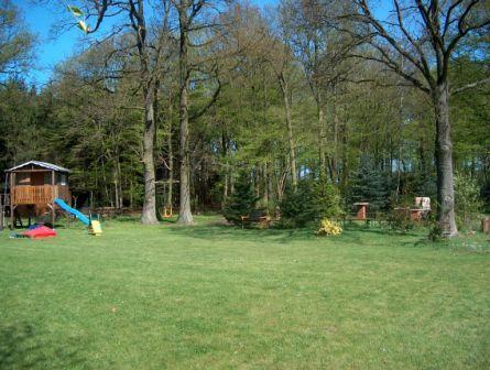 Beispiel: Garten und Kinderspielplatz, Foto: AKZENT Hotel Zur Erholung.