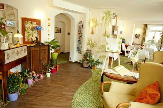 Beispiel: Farbenfrohe Innenausstattung, Foto: Hotel Villa Loschwitz.