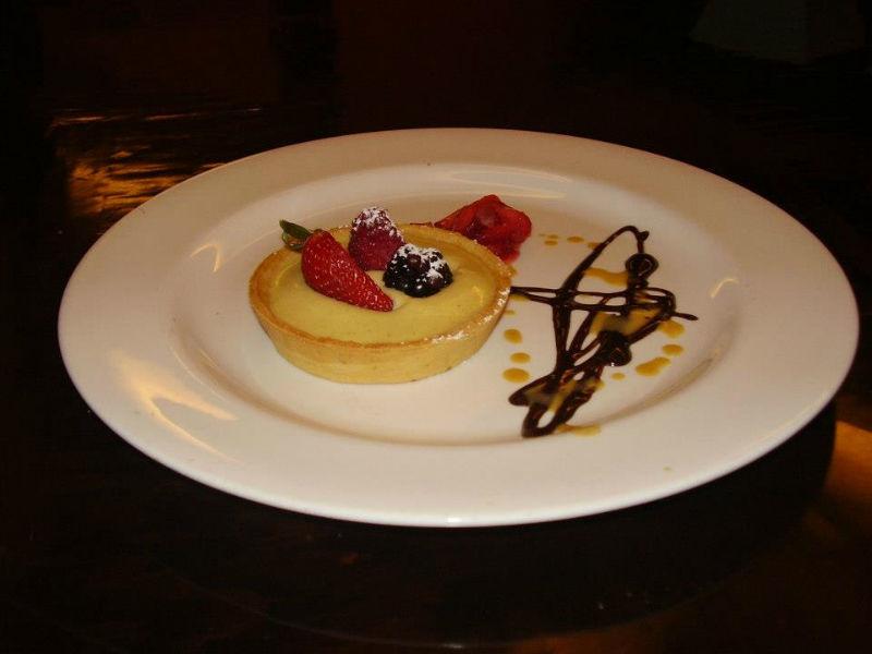 Presentación original y elegante para postres - Foto Banquetes Versalles