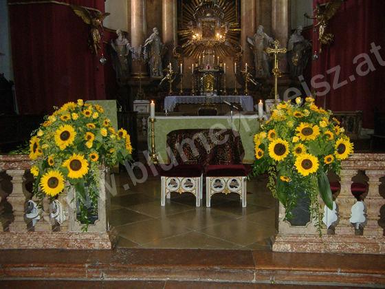 Beispiel: Kirchenschmuck, Foto: Blumen Weisz.