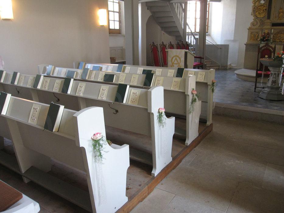 Beispiel: Kirchenschmuck, Foto: Blumenfee Katrin CC.