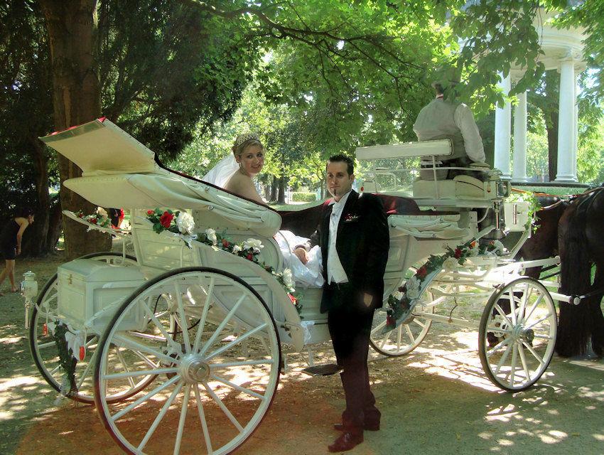 Beispiel: Romantische Hochzeitskutschen, Foto: Kutschfahrten Frankfurt am Main.