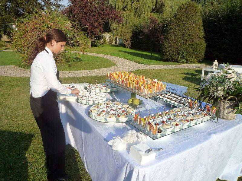 Beispiel: Buffet- und Menüservice, Foto: BeBride.