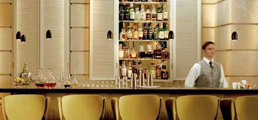Beispiel: Freundlicher Service, Foto: Domero Hotel Brandenburger Hof.