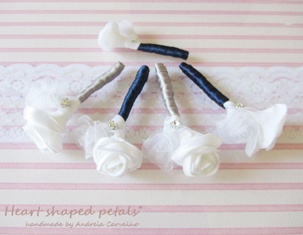 Flores de lapela para noivo e padrinhos