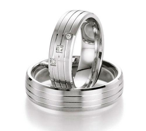 Beispiel: Trauring-Silber, Foto: Center Juwelen.