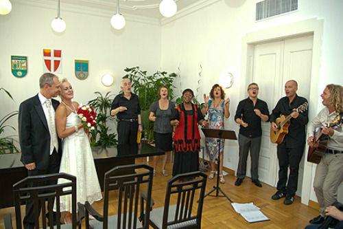 Beispiel: Das Gesangsteam bei der Hochzeit, Foto: Gospel meets Vienna.