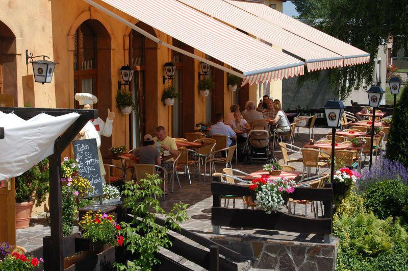 Beispiel: Terrasse, Foto: Schloßkrug Gundorf.