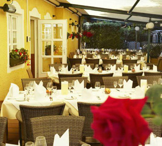 Beispiel: Restaurant - Garten, Foto: Freisinger Hof.