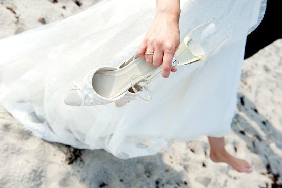 Beispiel: Hochzeitsfotografie in Strande, Foto: Rea Papke Photography.