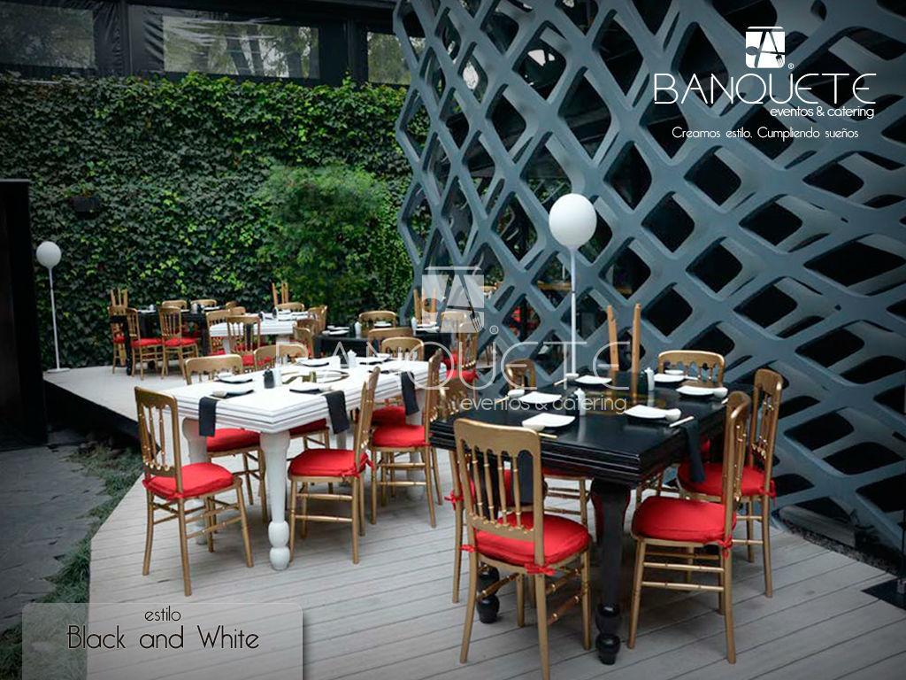Black and White con mesa cuadrada #banqueteeventos