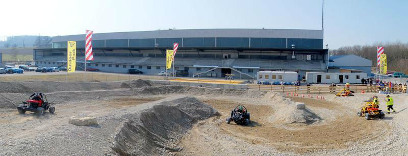 Beispiel: Outdoorpark, Foto: Karting Expodrom.