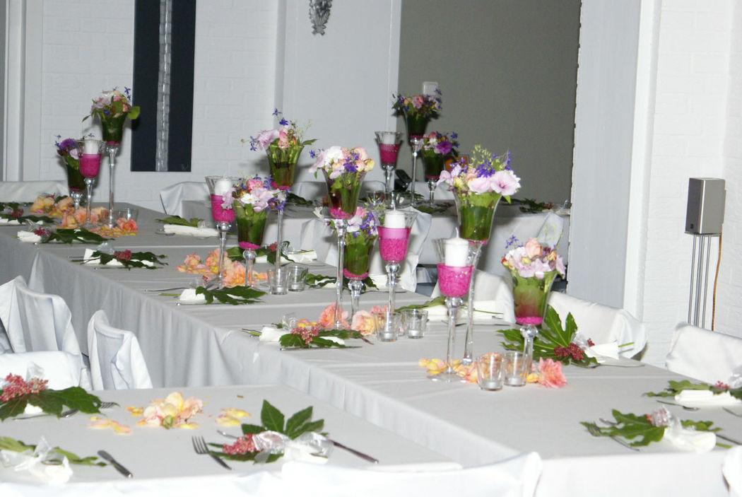 Beispiel: Tischdekoration, Foto: Love & Flowers.