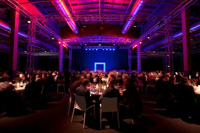 Beispiel: Unterschiedliche Beleuchtung sorgt für Ambiente, Foto: Event Island.