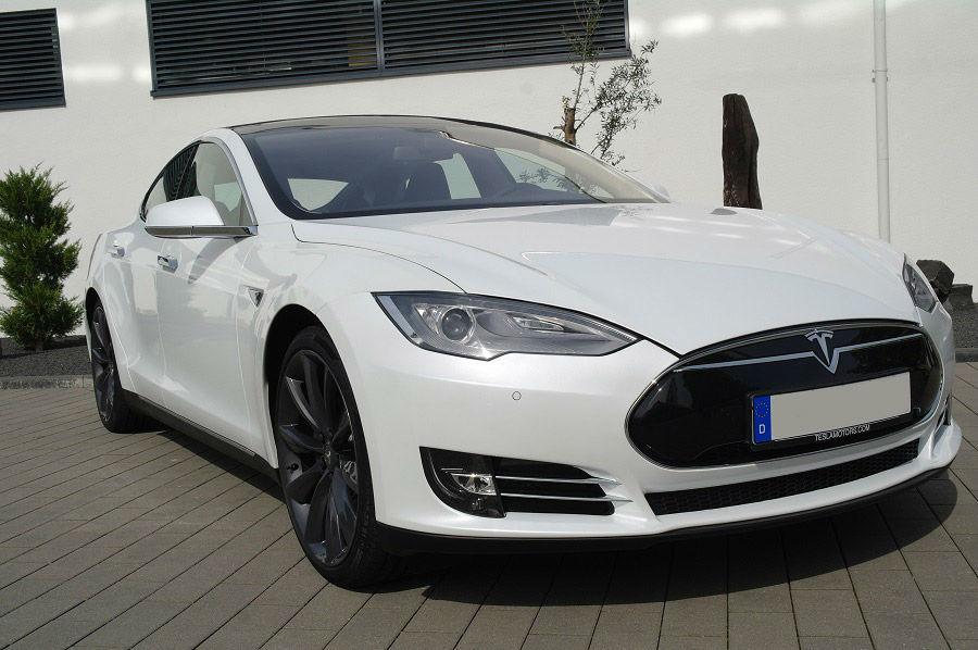 Beispiel: Tesla, Foto: Exclusiv Autovermietung Drost.