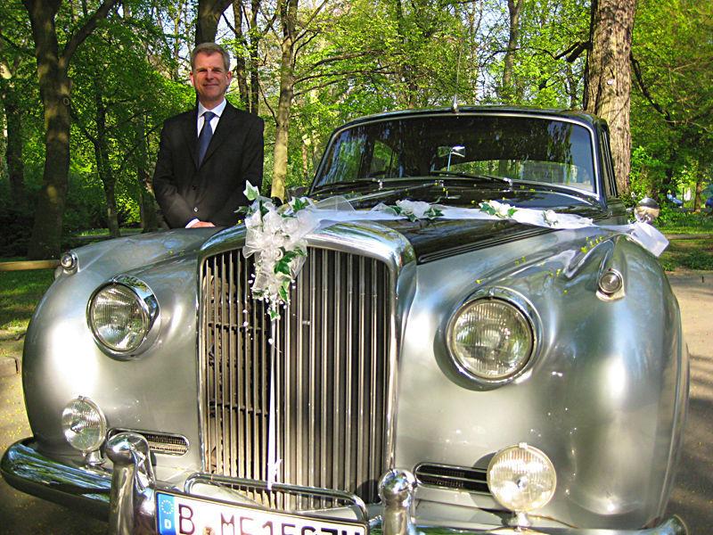 Beispiel: Ihr Bentley mit Chauffeur, Foto: ClassicCars.