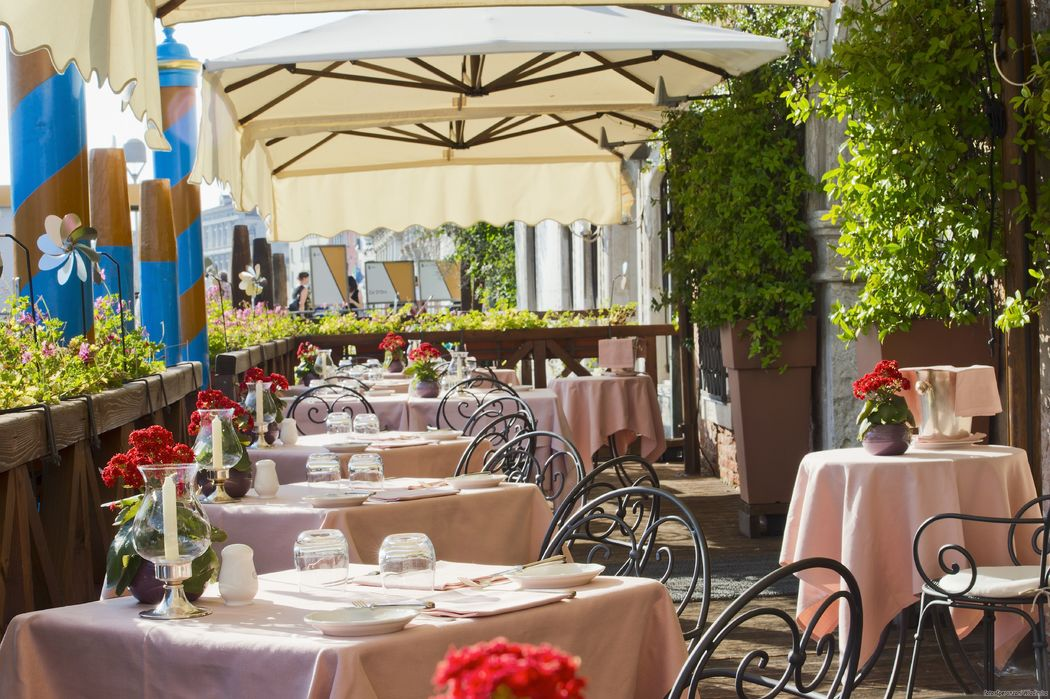 L'Alcova Restarant with terrace on the Grand Canal