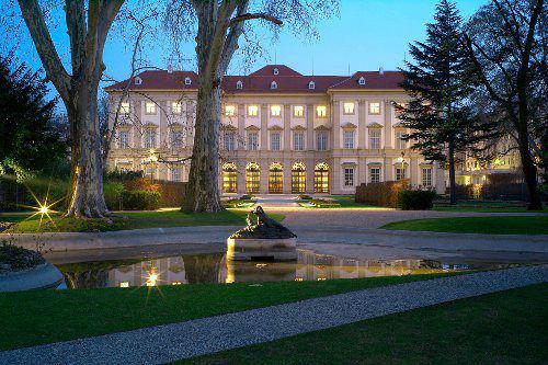 Beispiel: Das Gartenpalais bei Nacht, Foto: LIECHTENSTEIN. The Princely Collections, Vaduz-Vienna