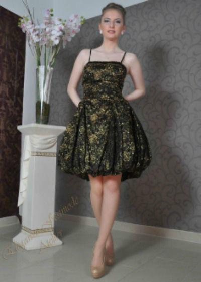 Beispiel: Cocktailkleid, Foto: Atelier Eleganze.