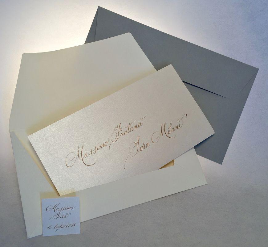 partecipazione Antiquae, un manoscritto su carta perlata, calligrafo a mano degno di un matrimonio principesco