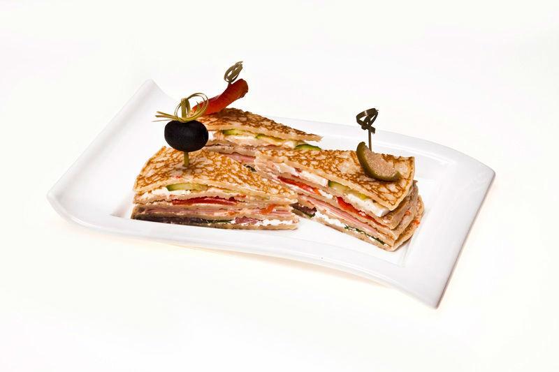 Beispiel: Spezial Klubsandwich, Foto: Lunchbox Catering & Event.
