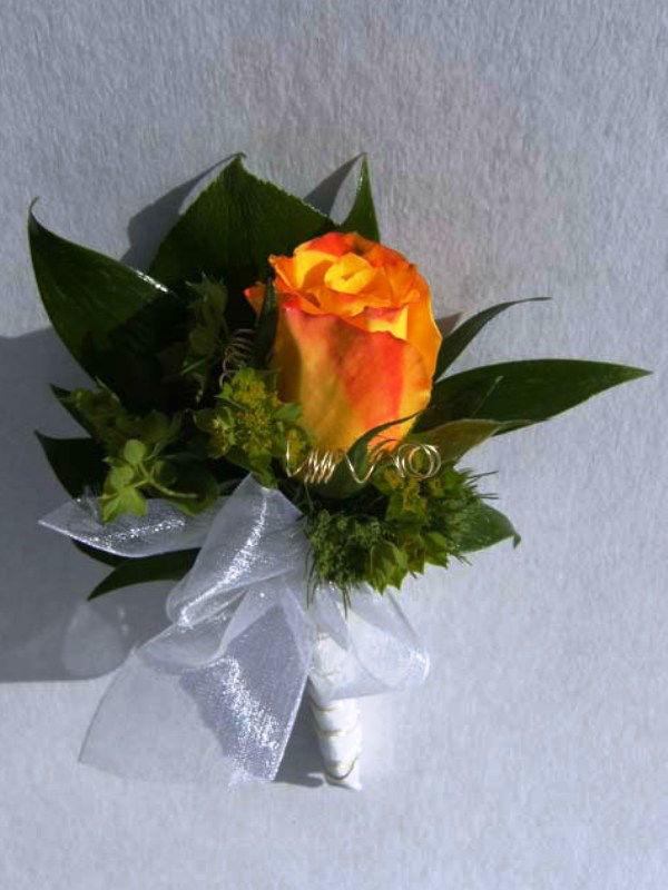 Beispiel: Blumenanstecker, Foto: Blumen- und Gartenbau Schulz.