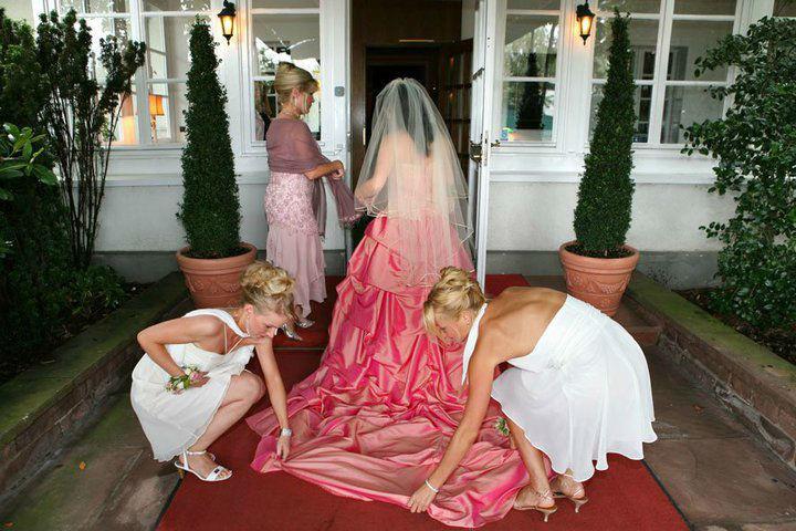 Beispiel: Fühlen Sie sich umsorgt an Ihrem schönsten Tag im Leben, Foto: Der Hochzeiter.
