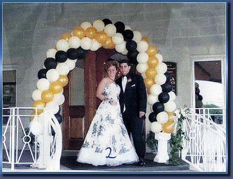 Beispiel: Ballondekoration und Brautpaar, Foto: Ballon Boutique Heidelberg.
