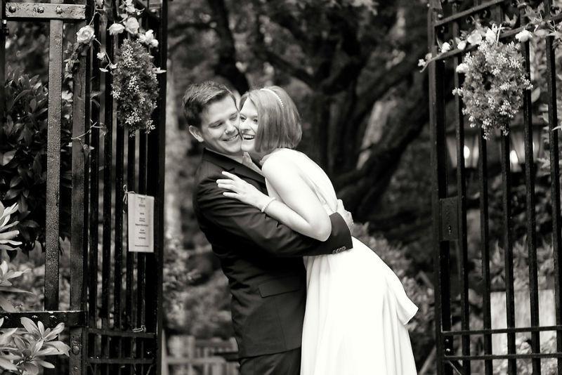 Beispiel: Romantische Hochzeitsbilder, Foto: Vision2Pixel.