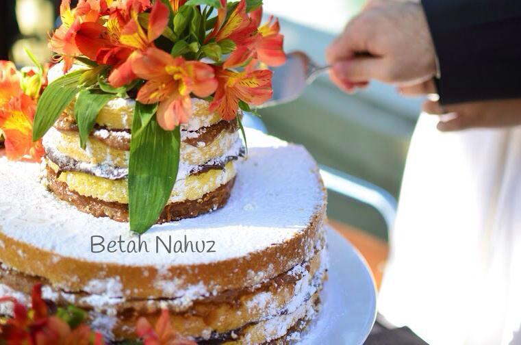 naked cake astromélias