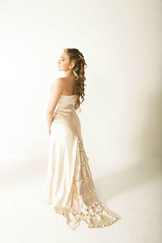 Novia Angelo Steel Estilista & Maquillador Profesional http://angelosteel.com