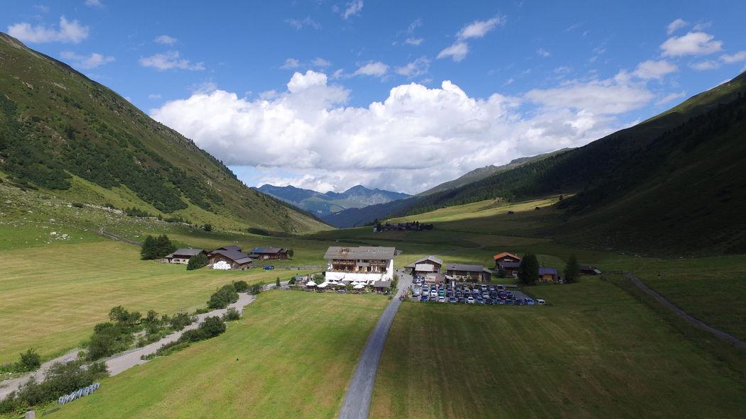 Blick Richtung Davos mit dem Hotel Walserhuus