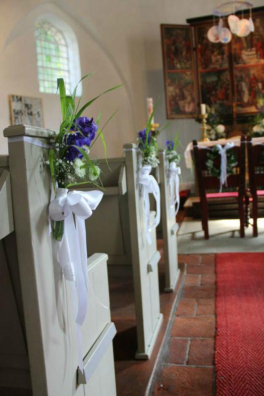 Beispiel: Kirchenschmuck, Foto: Blumen Damerius.