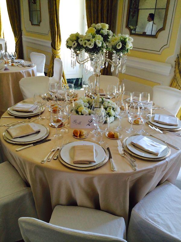 Glamorous table decor