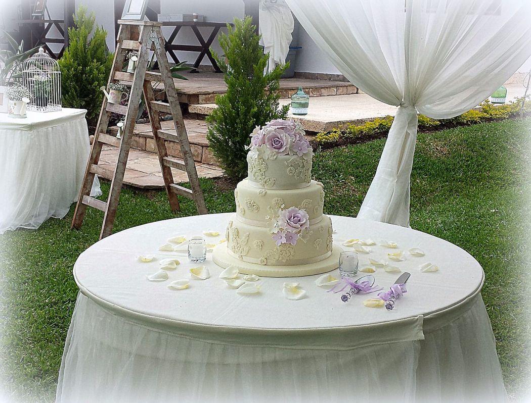 Torta vintage romantica Rosas Lilas
