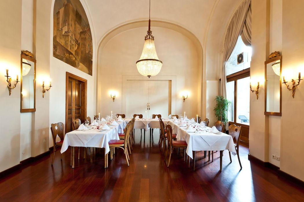 Beispiel: Salon Alt Wien, Foto: Hotel Regina.