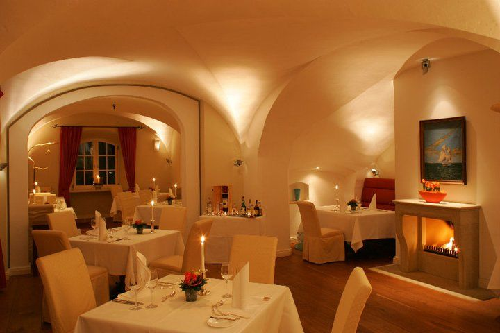 Beispiel: Schlossrestaurant, Foto: Schlossgut Gross Schwansee.