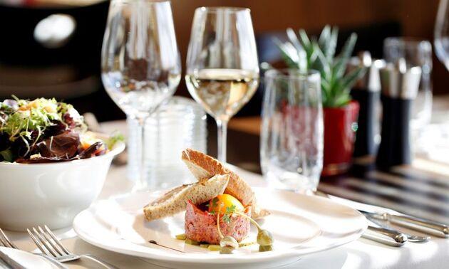 Beispiel: Kulinarische Impressionen, Foto: Hotel frutt LODGE & SPA.