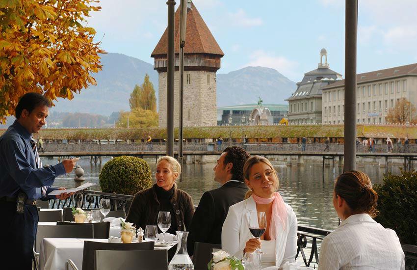 Beispiel: Ambiente am Wasser, Foto: Hotel des Balances.