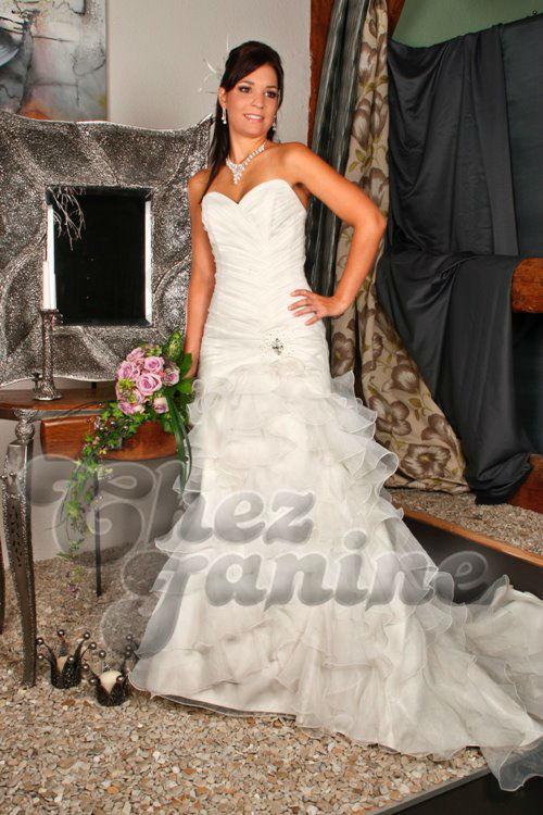 Beispiel: Brautmode, Foto: Chez Janine.