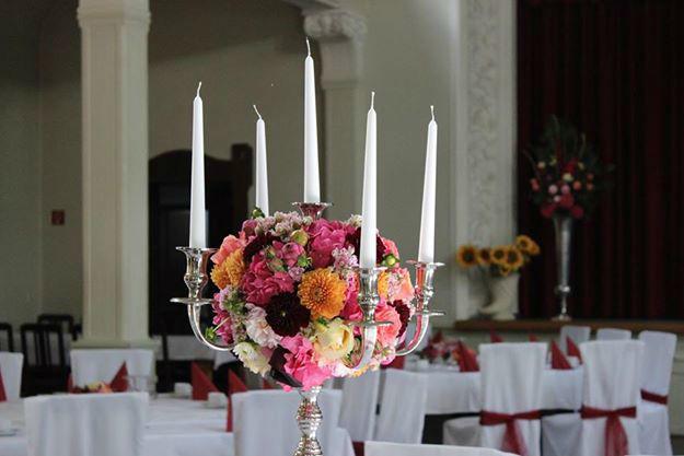 Beispiel: Tischdekoration, Foto: Saltoflorale.