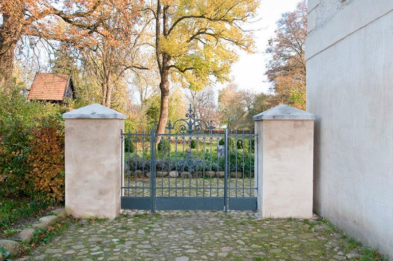 Beispiel: Toreinfahrt, Foto: Schloss Schmarsow.
