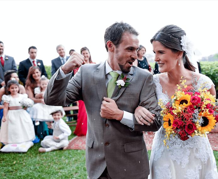 Nosso buquê maravilhoso. E a felicidade dos noivos Maria Fernanda e Rodrigo