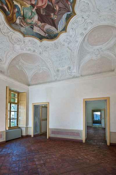 Villa Bria - Stucchi e dipinti mirabilmente ....