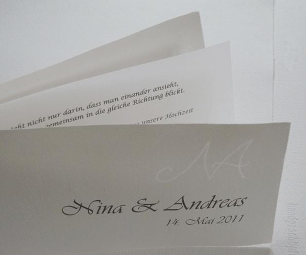 Beispiel: Bedruckte Hochzeitseinladung mit Wasserzeichen, Foto: Hobl + Sohn.