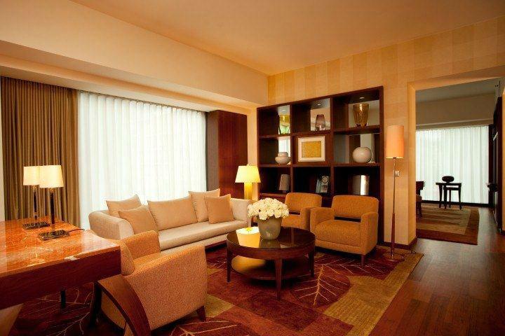 Beispiel: Park Executive Suite - Wohnzimmer, Foto: Park Hyatt Zürich Hotel.